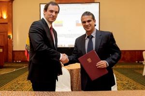Alvaro Jana, Director General de Direcon y Francisco Rivadeneira, Viceministro de Comercio Exterior e Integración de Ecuador.