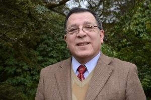 , Dr. Dante Pinochet, Profesor del Instituto de Ingeniería Agraria y Suelos y Director de la Escuela de Agronomía de la UACh,